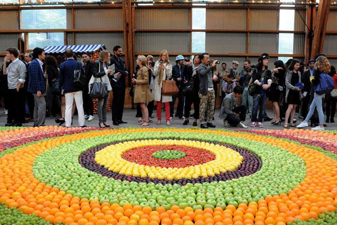 Un covor din fructe pentru Kenzo - Poza 2