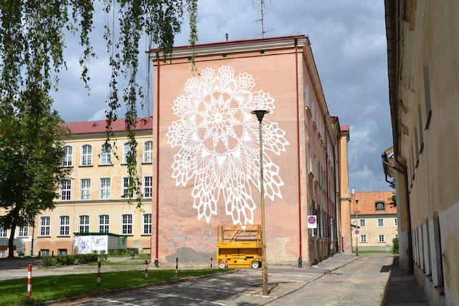 Varsovia dantelata de o artista urbana - Poza 2