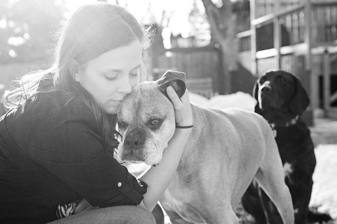 Emotionant: Stapanii isi iau la revedere de la cainii lor - Poza 4