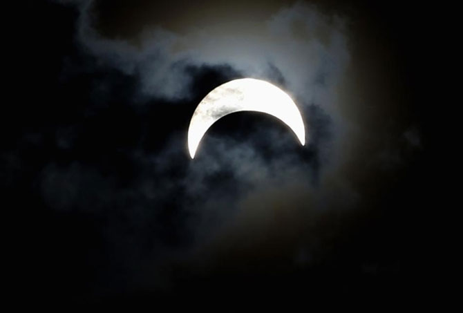3 noiembrie: Eclipsa hibrid de luna - Poza 5