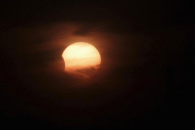 3 noiembrie: Eclipsa hibrid de luna - Poza 7
