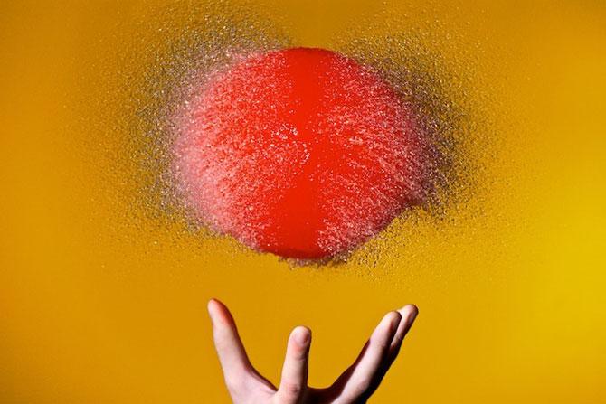 Edward Horsford se joaca cu baloanele umplute cu apa - Poza 8