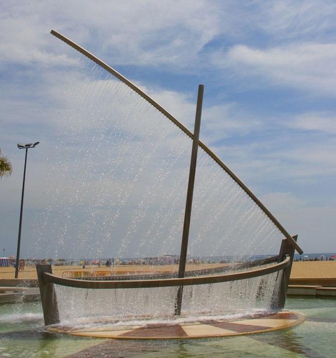 Fantana ca o barca facuta din apa - Poza 3