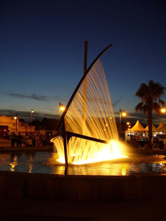 Fantana ca o barca facuta din apa - Poza 7