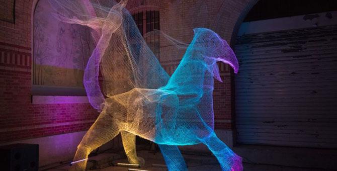 Elfii de lumina din noaptea alba a Parisului - Poza 7