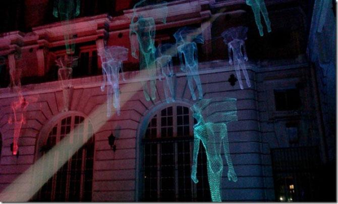Elfii de lumina din noaptea alba a Parisului - Poza 9