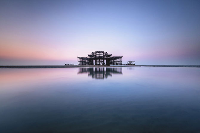 Decaderea pontonului vestic din Brighton, de Finn Hopson - Poza 1