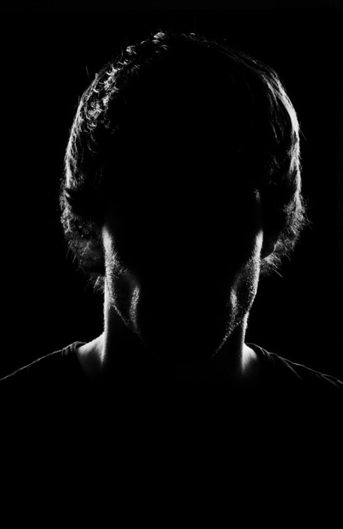 Paradoxul portretelor fara chip de Quentin Arnaud