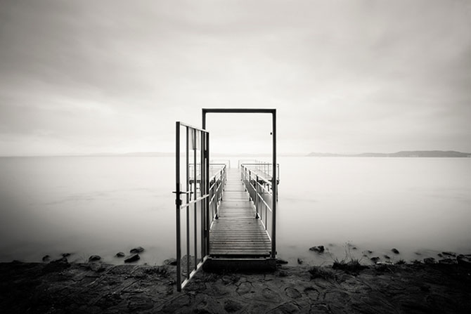 Foto-concept minimal monocrom - Poza 14