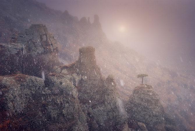 Locul unde frumusetea devine tangibila: Crimeea lui Daniel Korzhonova - Poza 12