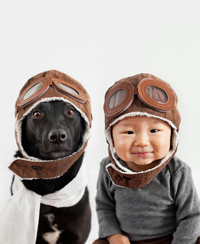 Poze la indigo, cu un copil si un catel - Poza 1