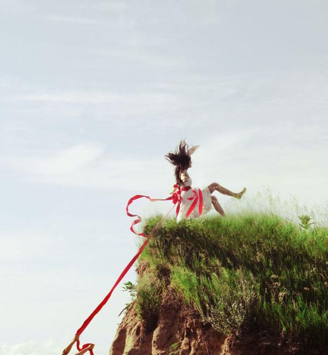 Jocuri sumbru-suprarealiste cu Karrah Kobus - Poza 4