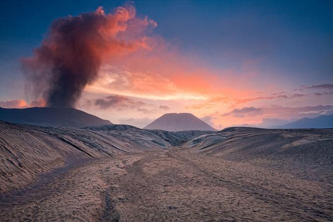 La muntele vrajit: vulcanul indonezian Bromo - Poza 4