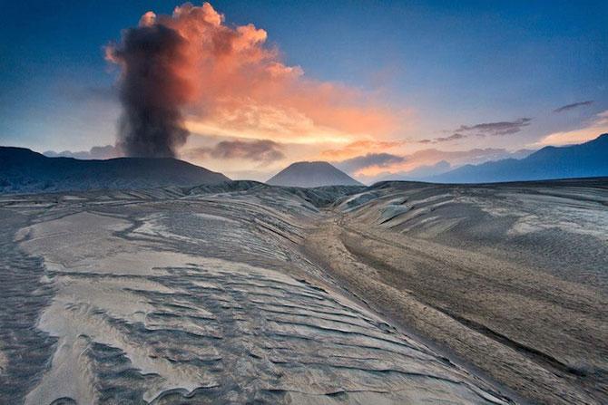 La muntele vrajit: vulcanul indonezian Bromo - Poza 7
