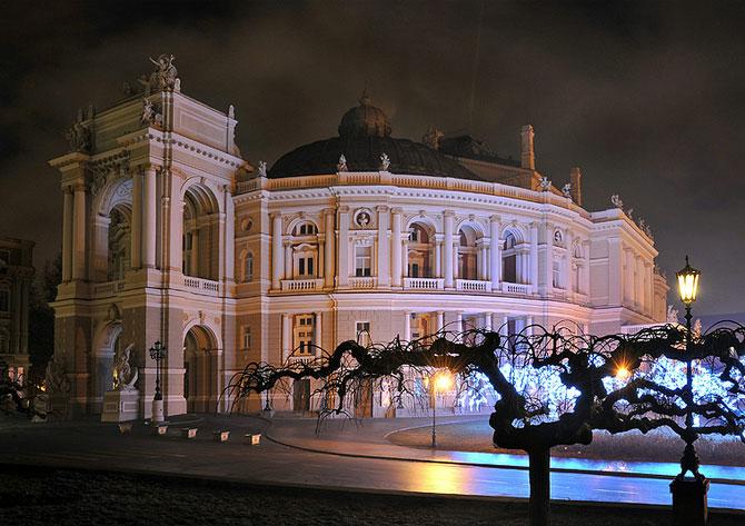 Luminile de iarna ale orasului Odessa - Poza 4