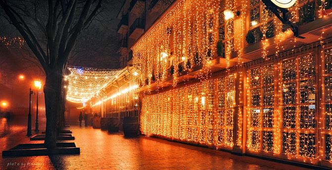 Luminile de iarna ale orasului Odessa - Poza 6
