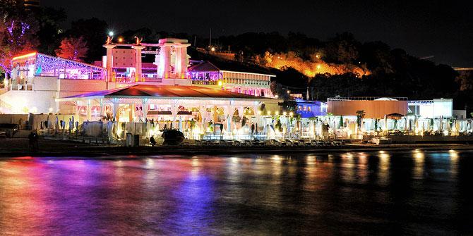 Luminile de iarna ale orasului Odessa - Poza 8