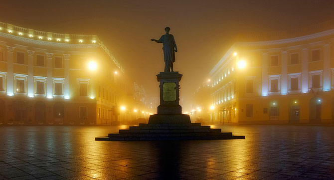 Luminile de iarna ale orasului Odessa - Poza 9