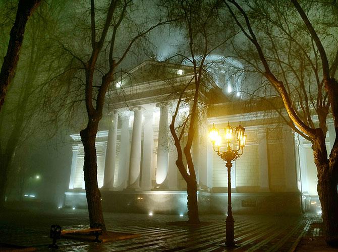 Luminile de iarna ale orasului Odessa - Poza 10