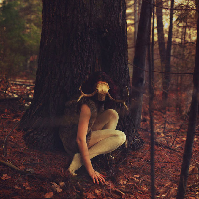 Sarah Ann Loreth: Echilibrul dintre intuneric si lumina - Poza 7