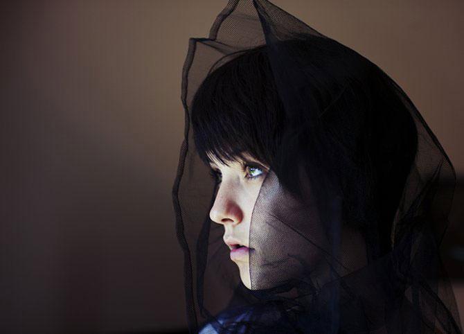 Sarah Ann Loreth: Echilibrul dintre intuneric si lumina - Poza 17