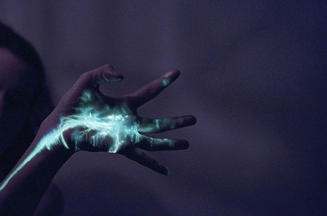 Sarah Ann Loreth: Echilibrul dintre intuneric si lumina - Poza 21