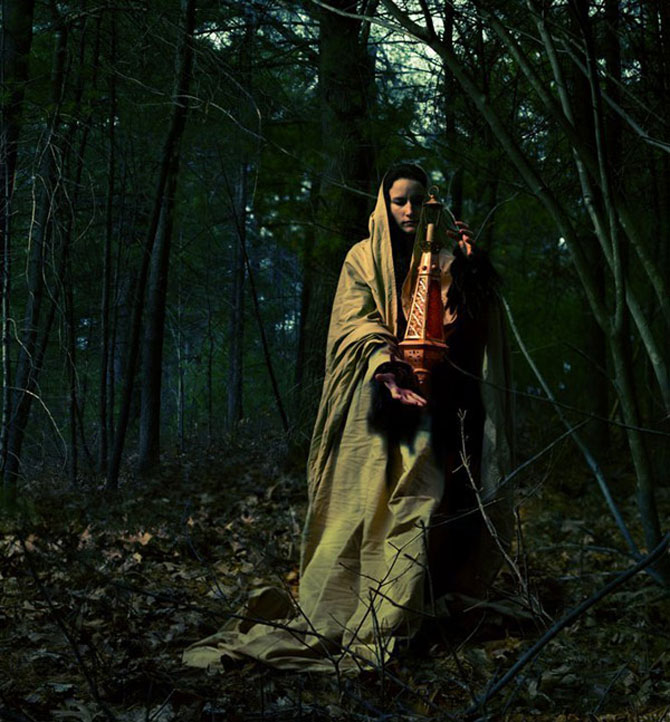 Sarah Ann Loreth: Echilibrul dintre intuneric si lumina - Poza 22
