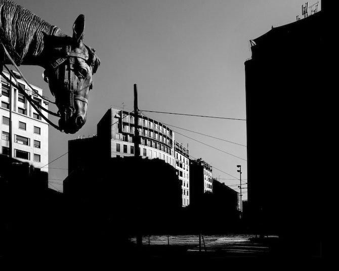 17 fotografii cu monumente ca desprinse din filme - Poza 8