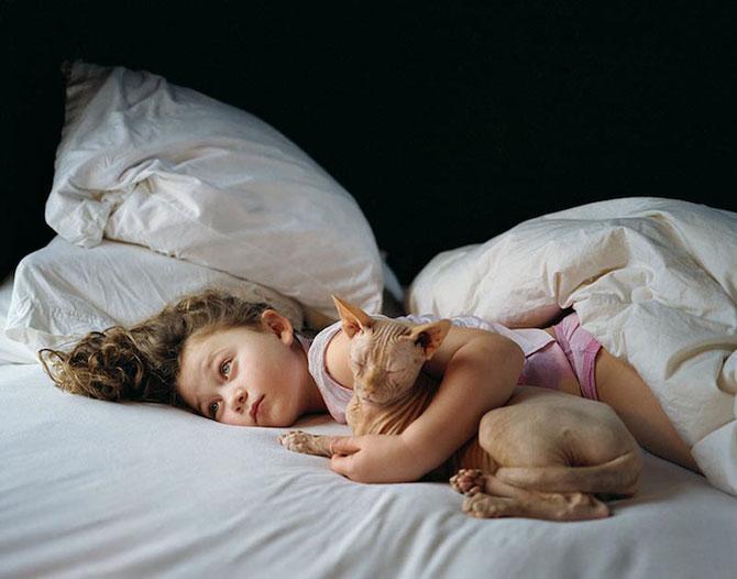 28 de super poze cu fetita care iubeste toate animalele - Poza 2
