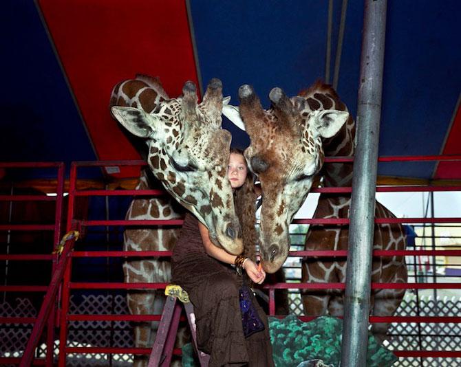 28 de super poze cu fetita care iubeste toate animalele - Poza 7