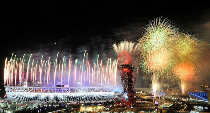 Exploziile de culoare din finalul JO 2012 - Poza 8