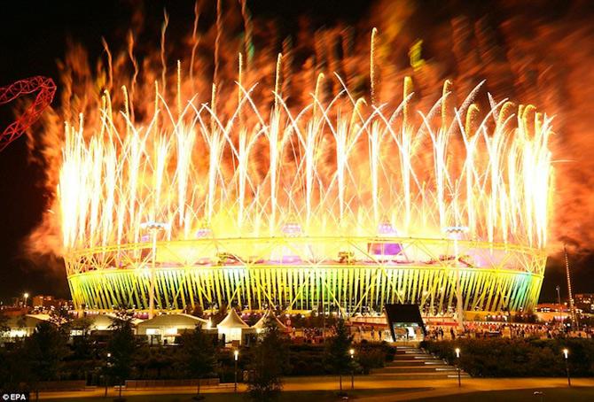 Exploziile de culoare din finalul JO 2012 - Poza 9