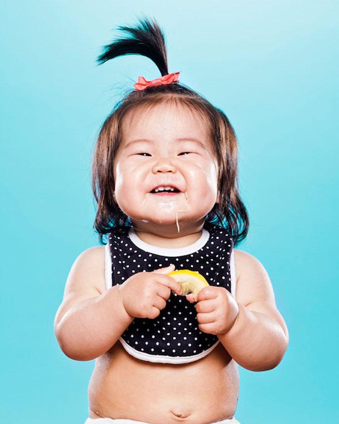 Bebelusii fac cunostinta cu lamaile - Poza 12