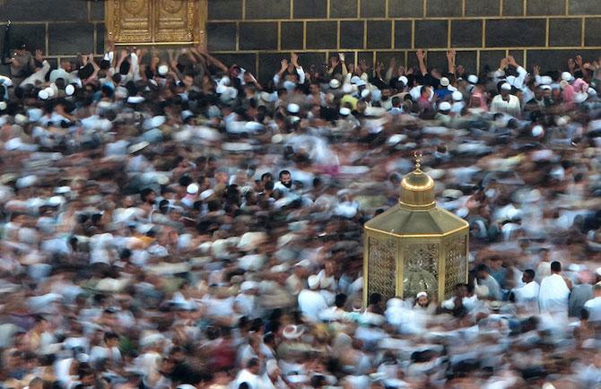 Fotografii cu expunere lunga ale pelerinajului musulman la Mecca - Poza 3