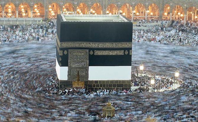 Fotografii cu expunere lunga ale pelerinajului musulman la Mecca - Poza 6