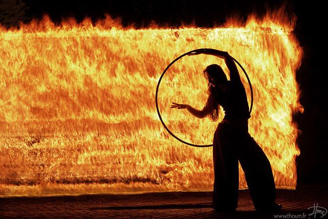 Cum se joaca Tom Lacoste cu focul - Poza 3
