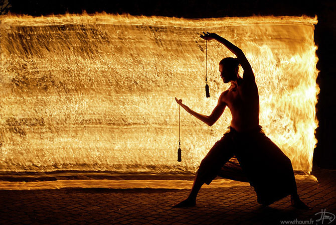 Cum se joaca Tom Lacoste cu focul - Poza 10