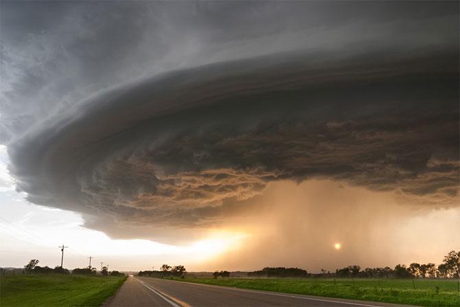 Vanatorul de furtuni Mike Hollingshead - Poza 5