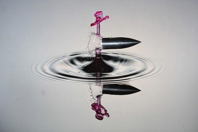Cum trece un glont printr-un strop de apa - Poza 1