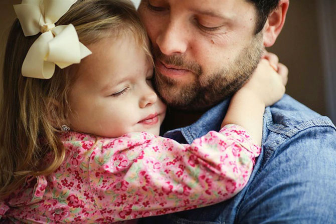 In memoriam: Tatal si fiica recreeaza fotografiile de nunta - Poza 10