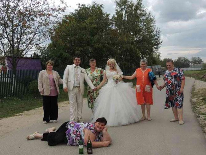 WTF?! Cele mai bizare fotografii de nunta din Rusia - Poza 6
