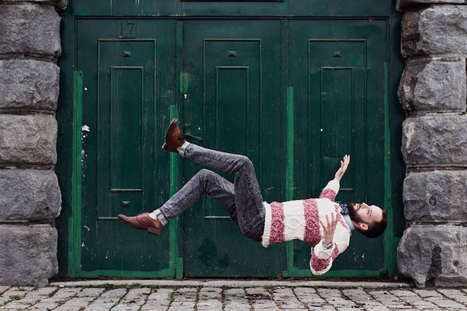 Oameni in cadere calma, de Brad Hammonds - Poza 1