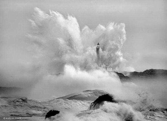 Oceanul din nordul Spaniei si farul - Poza 1