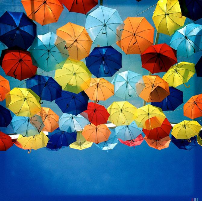 Cerul colorat de umbrele, in Agueda, Portugalia - Poza 5