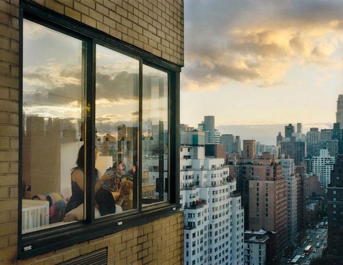 Vecinii din New York si ce vede Gail Albert Halahan pe ferestrele lor - Poza 2