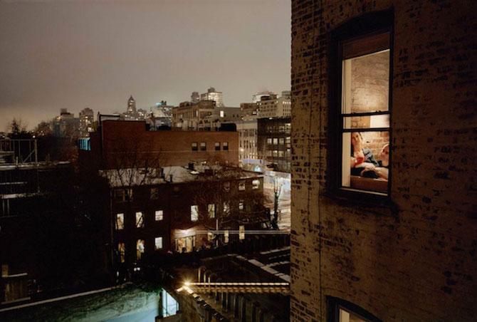 Vecinii din New York si ce vede Gail Albert Halahan pe ferestrele lor - Poza 4