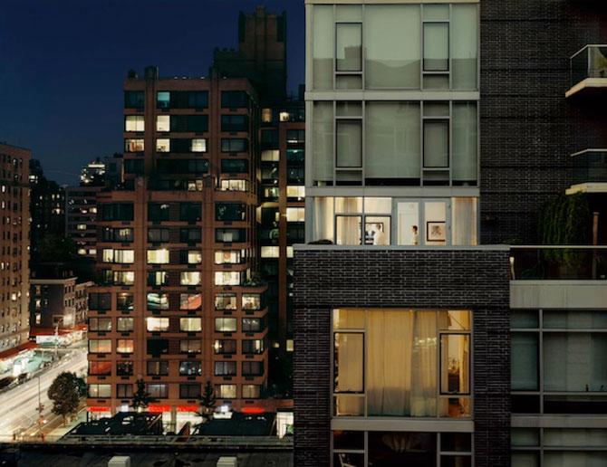 Vecinii din New York si ce vede Gail Albert Halahan pe ferestrele lor - Poza 6