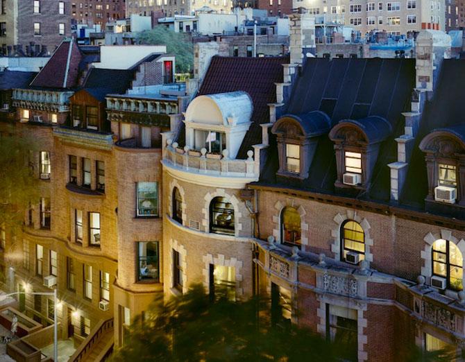Vecinii din New York si ce vede Gail Albert Halahan pe ferestrele lor - Poza 8