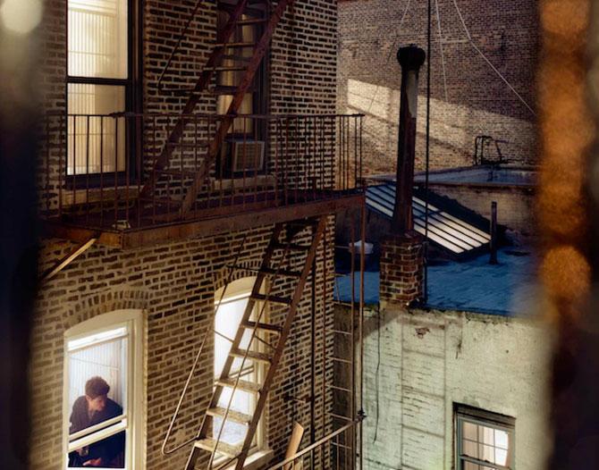 Vecinii din New York si ce vede Gail Albert Halahan pe ferestrele lor - Poza 10