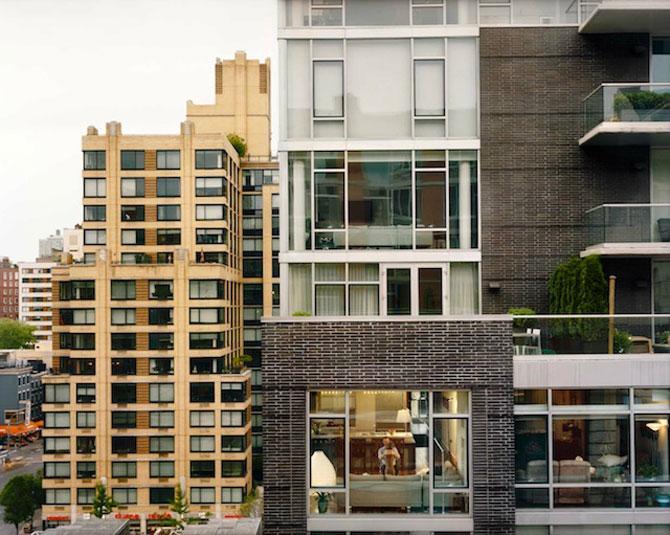 Vecinii din New York si ce vede Gail Albert Halahan pe ferestrele lor - Poza 11